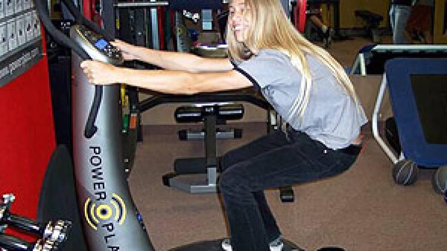 madonna-utiliza-plataforma-vibratoria-en-su-entrenamiento-2